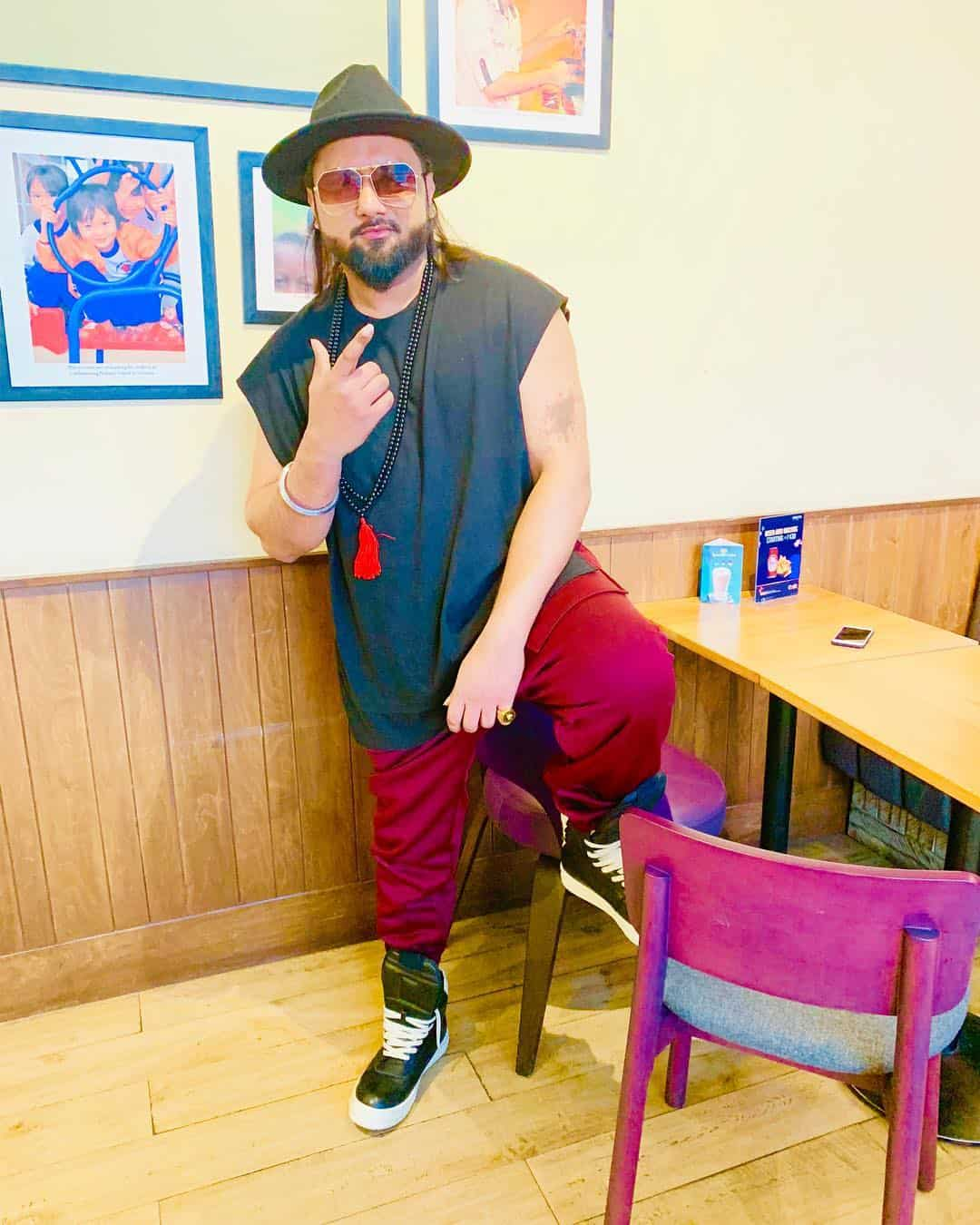 Yo Yo Honey Singh Wiki, Age, Biography, Wife, Net Worth & More 1