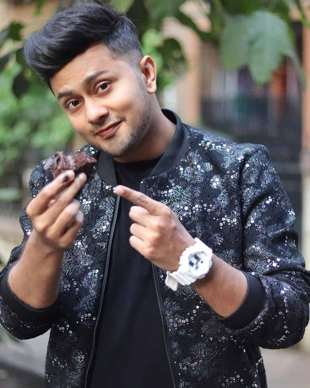 Awez Darbar Wiki, Age, Biography, Girlfriend, Family & More 4