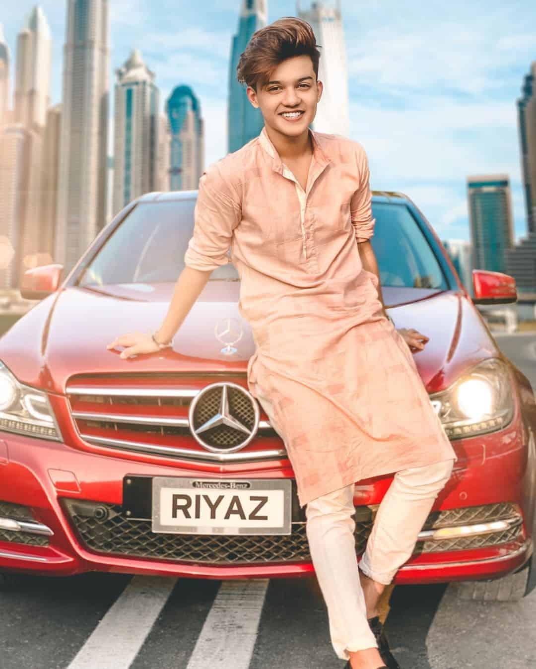 Riyaz Afreen Wiki, Age, Biography, Girlfriends, Family, Hobbies, & More 4