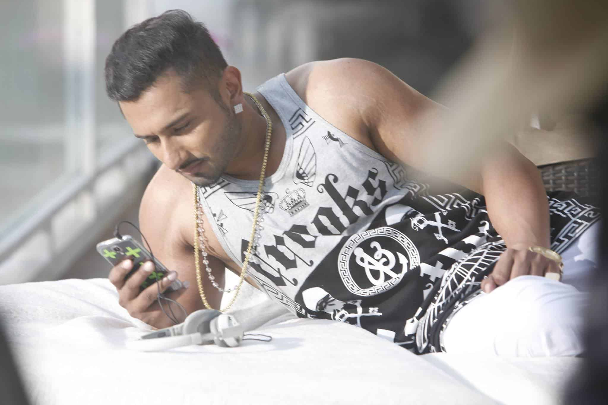 Yo Yo Honey Singh Wiki, Age, Biography, Wife, Net Worth & More 5