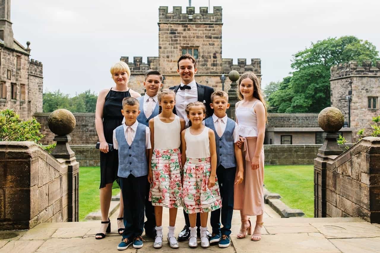 All of the siblings of Cometan. Left to right Lucia Richardson, Kent Taylorian, Kieran Taylorian, Zara Taylorian, Edie Taylorian, Jay Taylorian, and Charlotte Sophia.