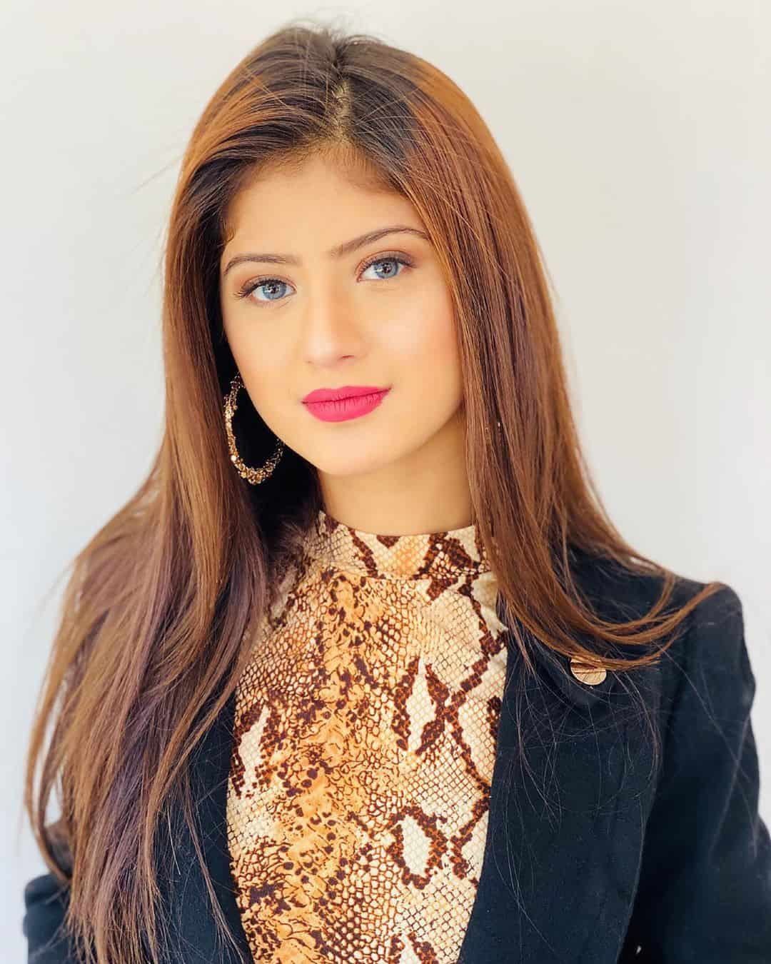 Arishfa Khan Wiki, Age, Biography, Boyfriends, Family & More 3